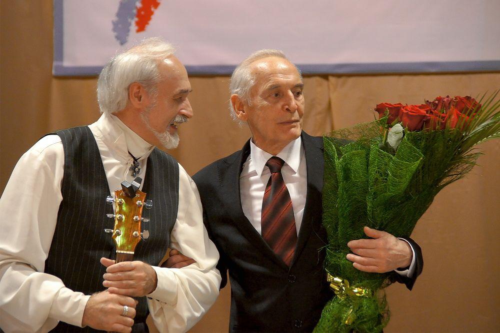 поэт фролов крымский стихи затащил